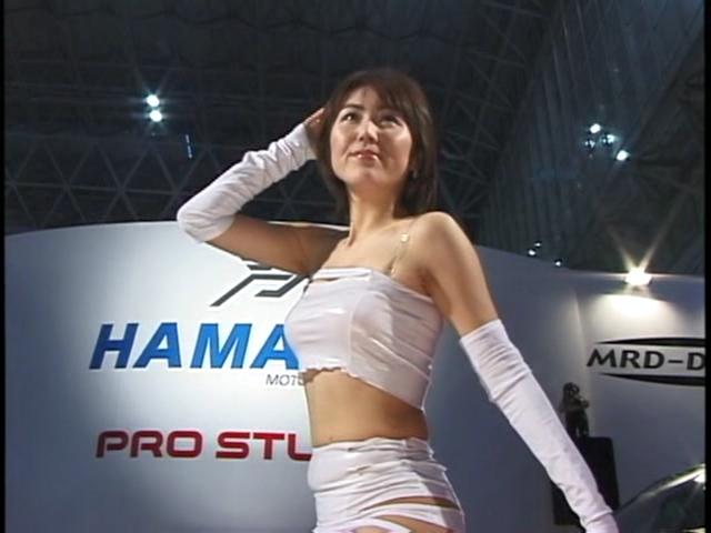【2ch拾い物】HAMANN ハミ毛 モーターショーかな?それにしてもハミ出し過ぎw 東京オートサロン2003 HAMANN 駒井裕希子だね