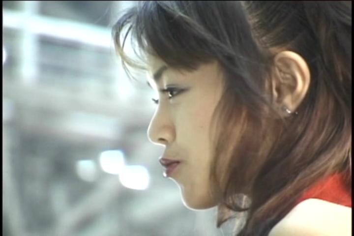 【2ch拾い物】オートサロン?どこぞの展示会?ハミ出しナプキン撮られているとも知らず、清楚な感じの綺麗なキャンギャルさん。それよりも、冒頭のお尻フリフリ吉田優恵の方が好きかも!